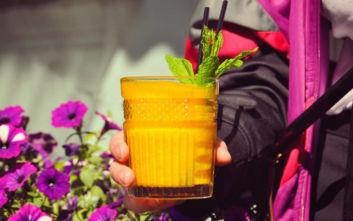 Πού να βγείτε για καλοκαιρινά χαλαρά ποτά και cocktails μετά τη δουλειά