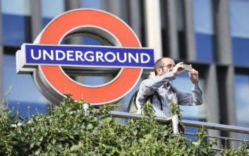 Σταθμός του μετρό στο Λονδίνο έκλεισε προσωρινά λόγω υπερπληρότητας των συρμών