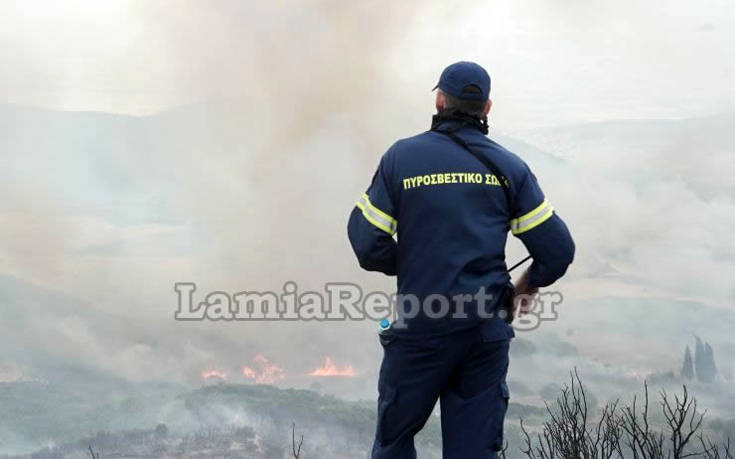 Φωτορεπορτάζ από τις φλόγες να περνούν δίπλα από τα σπίτια – Newsbeast