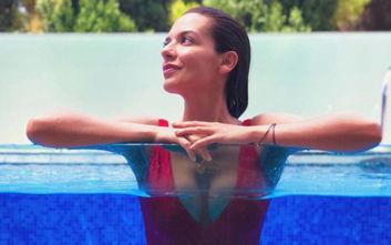 Οι καλοκαιρινές φωτογραφίες της Νικολέττας Ράλλη σού φτιάχνουν τη διάθεση