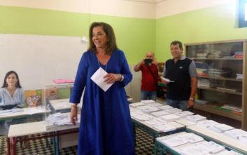 Εκλογές 2019: Με τα εγγόνια της ψήφισε στα Χανιά η Ντόρα Μπακογιάννη