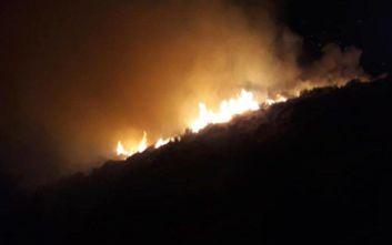 Προληπτική εκκένωση του χωριού Γαβαλάς στην Εύβοια εξαιτίας της φωτιάς