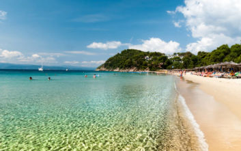 Conde Nast Traveler: Πρωτιά για ελληνικό νησί χάρη στις παραλίες του