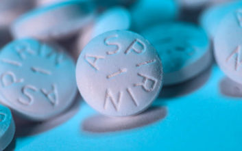 Τι μπορεί να κάνει μια ασπιρίνη στο πλυντήριο ρούχων