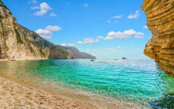 Μία παραδεισένια παραλία όνομα και πράγμα στην Κέρκυρα
