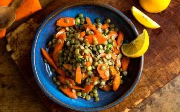Σαλάτα με φακές και καρότα