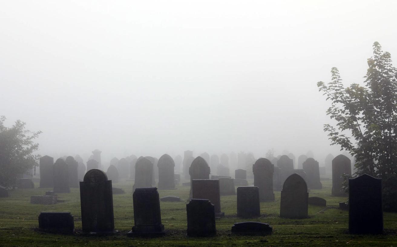 Η γυναίκα που έθαβε τους γκέι με AIDS για να μην μείνουν στα αζήτητα