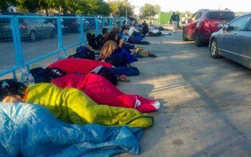 Σαμοθράκη: Σκηνές χάους με τους εγκλωβισμένους στο λιμάνι