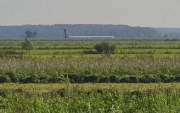 Ρωσία: Αναγκαστική προσγείωση αεροσκάφους σε χωράφι