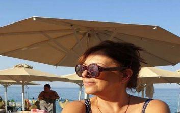 Εντυπωσιάζει η Ελένη Ράντου με την φωτογραφία της στην παραλία