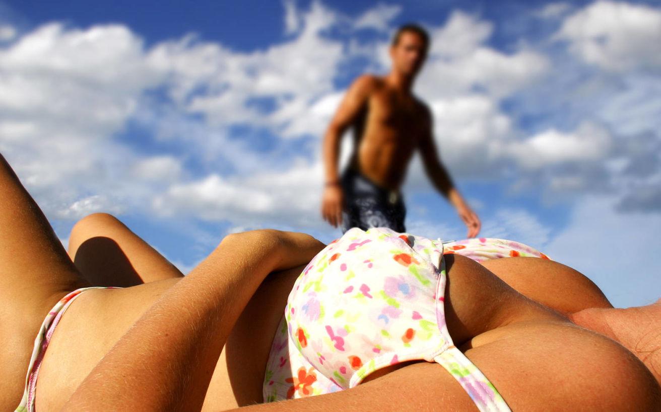 Τι πραγματικά κοιτούν οι άντρες στις γυναίκες