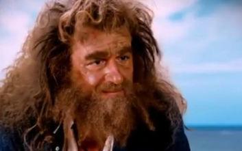 Ο Γιώργος Λιάγκας σε ρόλο ναυαγού στο πρώτο τρέιλερ της νέας εκπομπής του στον ΣΚΑΪ