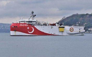 Το τουρκικό Ορούτς Ρέις πλέει μεταξύ Ρόδου και Καστελόριζου