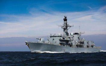 Εν πλω για τον Κόλπο το βρετανικό πολεμικό πλοίο HMS Kent