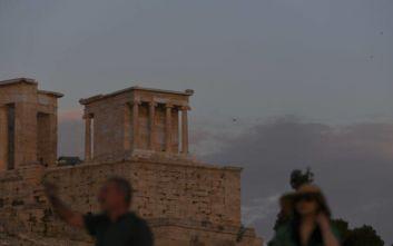 Σύσκεψη στο υπ. Πολιτισμού: Έντονη εγκατάλειψη στον περιβάλλοντα χώρο της Ακρόπολης