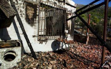 Συγκλονίζουν οι εικόνες από την εκκένωση κατοίκων μετά τη μεγάλη φωτιά στον Υμηττό