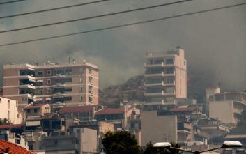 Φωτογραφίες από τη φωτιά που ξέσπασε στον Υμηττό