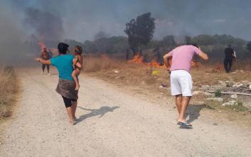 Φωτιά στην Κέρκυρα: Δίπλα στα σπίτια οι φλόγες