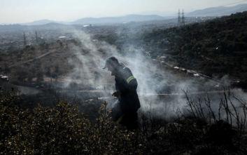 Υπό μερικό έλεγχο η φωτιά στο Πέραμα, κανονικά η κυκλοφορία στην περιφερειακή