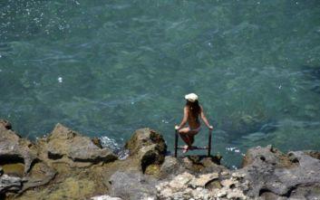 Καιρός: Ζέστη και βοριάδες στο Αιγαίο