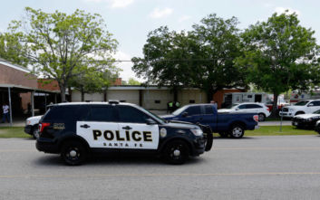 Αστυνομικός σκότωσε κατά λάθος γυναίκα ενώ πυροβολούσε σκύλο