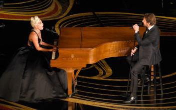 Σε περιπέτειες η Lady Gaga για το «Shallow»