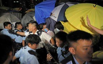 «Κινεζικές δυνάμεις συγκεντρώνονται στη Σεντζέν κοντά στο Χονγκ Κονγκ»