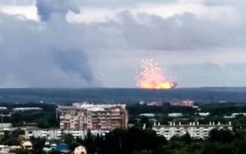 Εκρήξεις και πυρκαγιά σε αποθήκες πυρομαχικών στη Σιβηρία