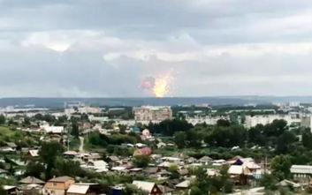 Ρωσία: Η πυρκαγιά στις αποθήκες πυρομαχικών στη Σιβηρία ενδέχεται να επεκταθεί