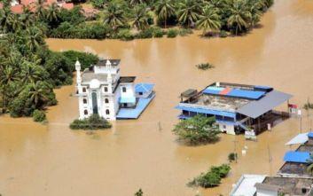 Φονικές πλημμύρες στην Ινδία, τουλάχιστον 184 οι νεκροί