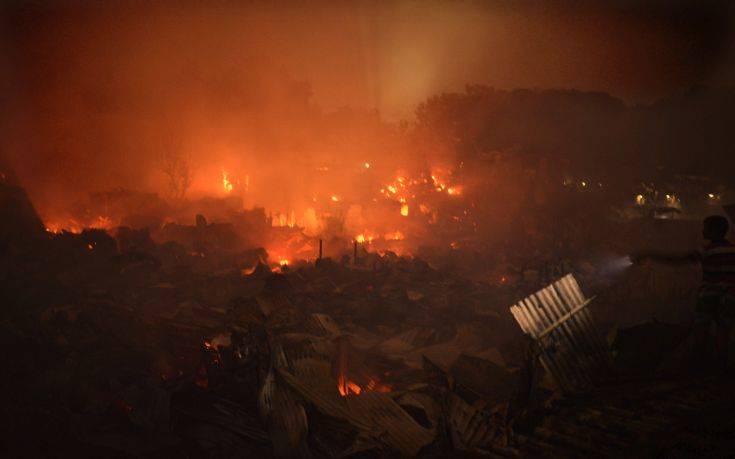 Μπανγκλαντές: Τουλάχιστον 10.000 άστεγοι έπειτα από πυρκαγιά σε παραγκούπολη