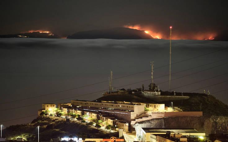 Οι ισπανικές Αρχές απομάκρυναν 8.000 ανθρώπους λόγω φωτιάς στο Γκραν Κανάρια