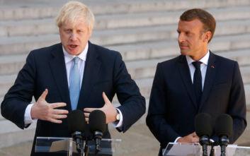 Μακρόν σε Τζόνσον: Ξεκίνα άμεσα τις συνομιλίες με την ΕΕ για το Brexit