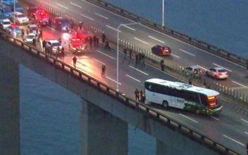 Η στιγμή που πέφτει νεκρός ο λεωφορειοπειρατής στη Βραζιλία