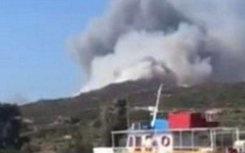 Βίντεο από τη φωτιά που είναι σε εξέλιξη στην Ελαφόνησο