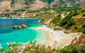 Η μικροσκοπική παραλία της Κεφαλονιάς για ερημικά μακροβούτια