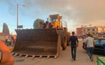 Μεγάλη φωτιά στην Εύβοια: Με μπουλντόζες σταμάτησαν τη φωτιά προς τα Ψαχνά