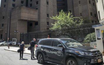 «Σοβαρές παρατυπίες» στη φυλακή όπου πέθανε ο δισεκατομμυριούχος Τζέφρι Έπσταϊν