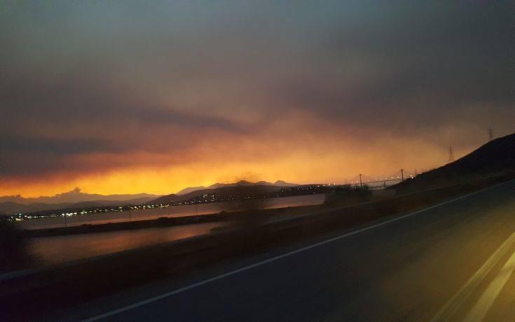 Μαίνεται η μεγάλη φωτιά στην Εύβοια, προς εκκένωση δύο χωριά