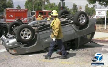 Διάσημος ηθοποιός έβγαλε παιδί παγιδευμένο σε αυτοκίνητο μετά από τροχαίο