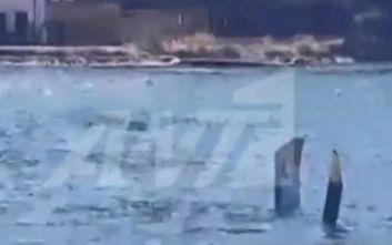 Οι πρώτες εικόνες από την πτώση ελικοπτέρου στη θάλασσα στον Πόρο