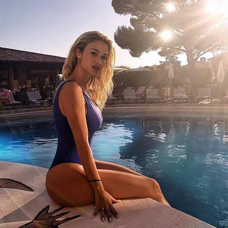 Η σέξι παρουσιάστρια που αναστατώνει τους Ιταλούς
