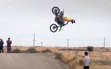 Η οδήγηση motocross μπορεί να γίνει εντυπωσιακή για πολλούς λόγους