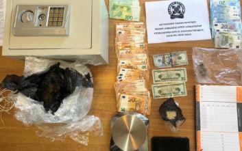 Αστυνομική επιχείρηση για ναρκωτικά στη Μύκονο, τρεις συλλήψεις