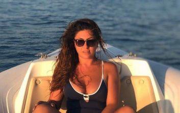 Έλενα Παπαρίζου: Η φωτογραφία με μαγιό σε σκάφος που ενθουσίασε