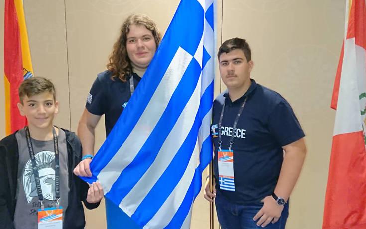Ελληνική πρωτιά στον Παγκόσμιο Διαγωνισμό Microsoft Office Specialist στη Νέα Υόρκη - Διακρίσεις για τους τρεις Έλληνες μαθητές που συμμετείχαν