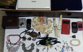 Τρεις συλλήψεις για κλοπές και διαρρήξεις σε Γλυφάδα, Ελληνικό και Αργυρούπολη