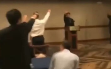 Μαθητές σχολείου στην Καλιφόρνια χαιρετούν ναζιστικά μέσα στο σχολείο τους