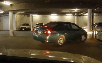 Πόσο δύσκολο μπορεί να είναι να παρκάρεις σε ένα υπόγειο πάρκινγκ;