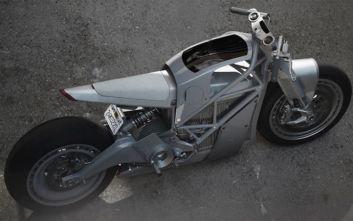 Η μοτοσικλέτα που ρίσκαρε σχεδιαστικά και κέρδισε